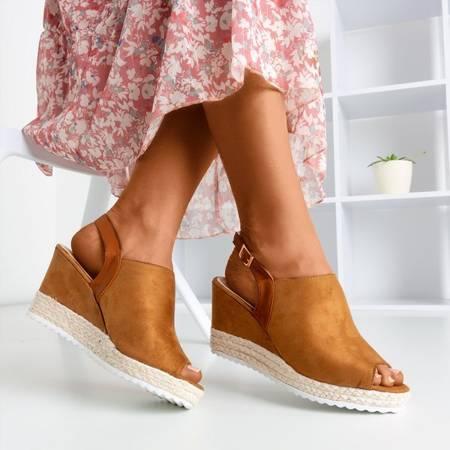 Женские коричневые сандалии на танкетке Miltonia - Обувь