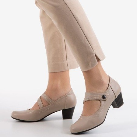 Женские туфли-лодочки бежевого цвета на низкой стойке Romsska - Обувь