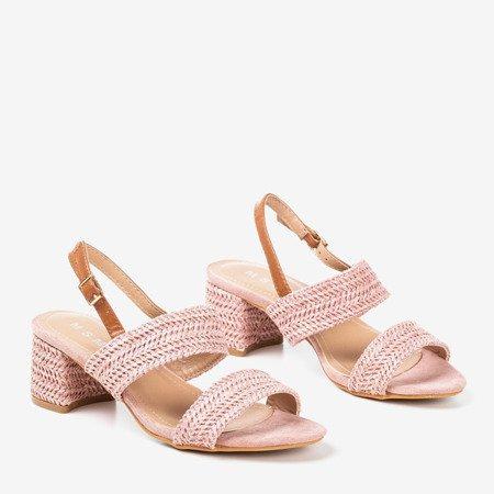Розовые сандалии на низком каблуке Riota - Обувь