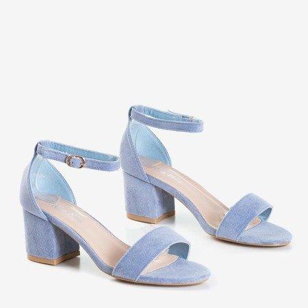 Синие сандалии на низком каблуке от Sandena - Обувь