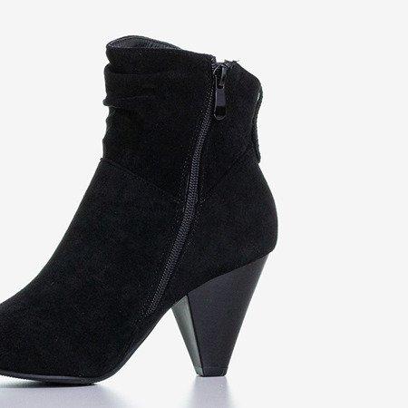 Черные сапоги с треугольным каблуком Lika - Обувь