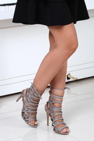 Szare sandały na szpilce - Obuwie
