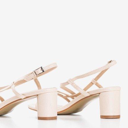 Бежеві жіночі босоніжки на низькому пості Марина - Взуття 1
