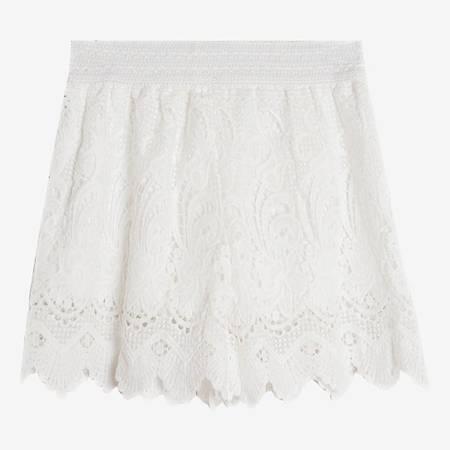 Жіночі білі шорти з мереживними прикрасами - Одяг