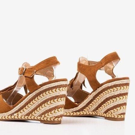 Коричневі жіночі босоніжки з бахромою Odina - Взуття 1