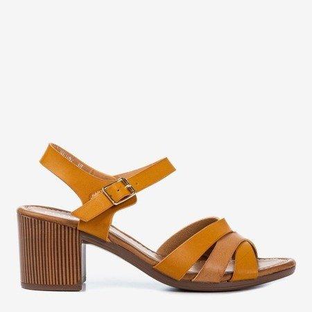 Світло-коричневі босоніжки на високій посаді з різнокольоровими ремінцями Sanica - Взуття 1