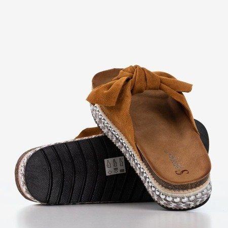 Світло-коричневі жіночі тапочки з бантом Kordesa - Взуття