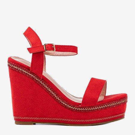 Червоні босоніжки на танкетці Деметри - Взуття