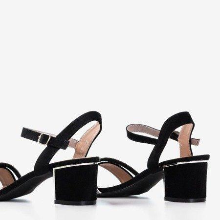 Чорні босоніжки на пості з кубічним цирконієм Amins - Взуття 1