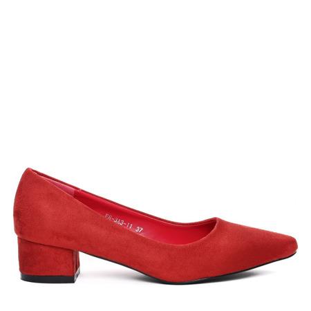 Czerwone czółenka na niskim słupku- Obuwie