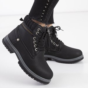 Чорні жіночі утеплені черевики від Magiten - Взуття
